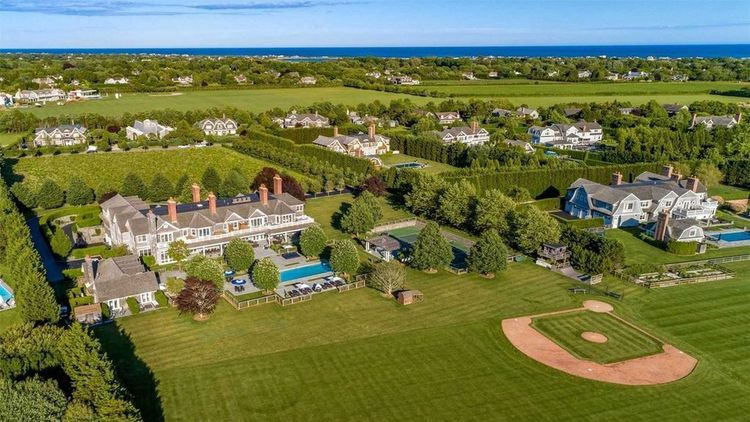 Bridgehampton-Crypto-Blockchain-Domains-Luxury-Resort-Uply-Media-Inc